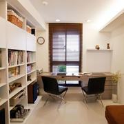 现代简约的书房书桌