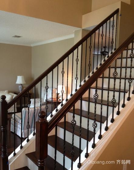 充满艺术感的铁艺旋转楼梯装修效果图
