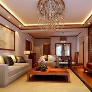 温馨的客厅博古架