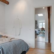 卧室简单实用的家居门
