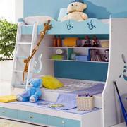 收纳空间充足的高低床