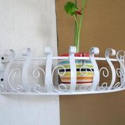 白色时尚的阳台花架