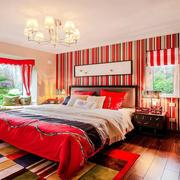 色彩艳丽的卧室