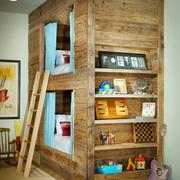 原木材料的高低床
