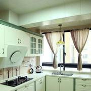 抹茶绿白色厨房厨柜