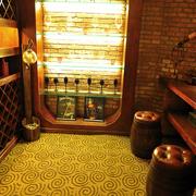 家居实用酒柜展示
