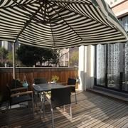 现代别墅舒适的露台