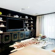 客厅黑色的大型置物柜