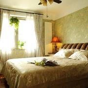 家居大卧室温馨装饰