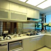 素雅浅淡的厨房橱柜