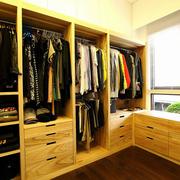 衣帽间木质整体衣柜