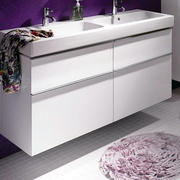 白色浴室地板图案