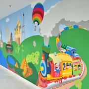 添加色彩的走廊壁画