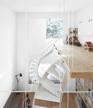 家居个性白色小楼梯设计