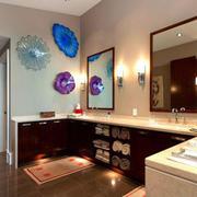 活泼可爱的优美浴室装潢