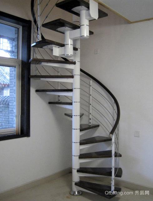 2015豪华奢侈的别墅型实木楼梯装修效果图大全