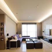 干净简洁的大公寓