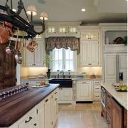 欧式风格的大厨房厨柜