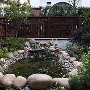 复式楼庭院池塘展示