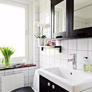 黑白经典卫浴间