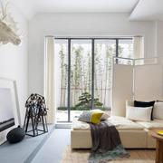 公寓客厅屏风隔断设计