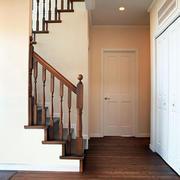 家居木质旋转楼梯