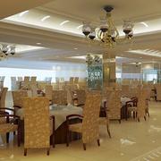 容纳空间超大的餐馆