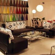 客厅沙发个性背景墙