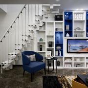 三室两厅简约白色楼梯展示