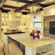 厨房瓷砖吧台图片