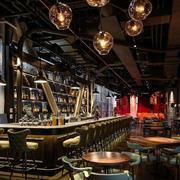 质朴的酒吧吧台展示
