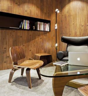 原木色的办公室