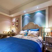 卧室床头灯光设计