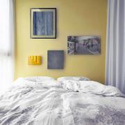 公寓卧室床头装饰画