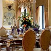 别墅餐厅黄金灯饰