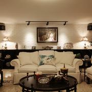 家居休闲的客厅沙发图
