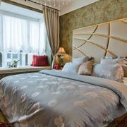 卧室米黄色窗帘