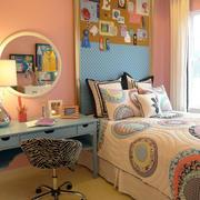 房屋卧室床头背景墙设计