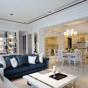 别墅客厅深色沙发