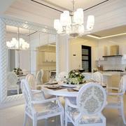 别墅餐厅白色桌椅