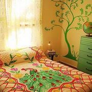 家居卧室墙面装饰图