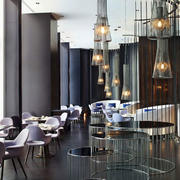 餐厅现代个性化的灯饰
