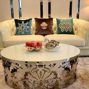 房屋客厅舒适沙发