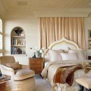 现代简欧式卧室图