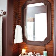 家居卫生间镜子摆放