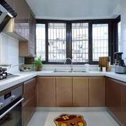 房屋U型厨房展示