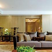 房屋客厅舒适大沙发