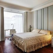 复式楼卧室软包背景墙