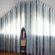 阁楼三角形窗帘