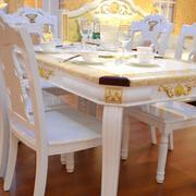 欧式气质的餐桌